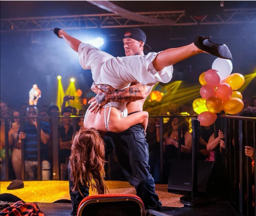 STRIPPER - STRIPPERS - MALE-ENTERTAINMENT.NL